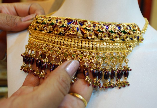 composition of jewellery